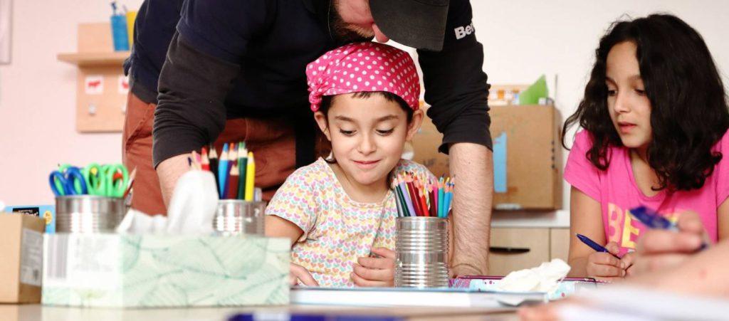 Pomáháme s doučováním dětí v Česku